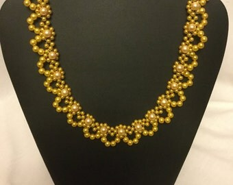 Golden pearl lace necklace