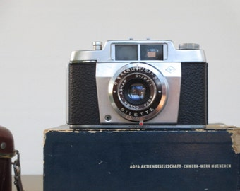 AGFA color camera leather case with flash