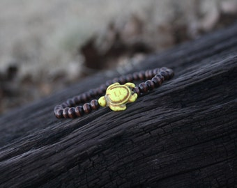 wood bead turtle bracelet
