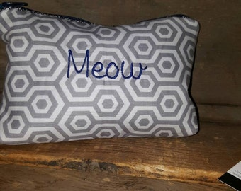 Meow zippered pouch