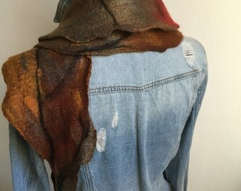 Art to wear ... Hand felted scarf in beautiful shiny dyed Merino Wool with silk ... Art to wear!