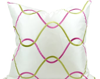 "Pink & Green Trellis Pattern Decorative Pillow Cover in 19.5"" x 19.5"""