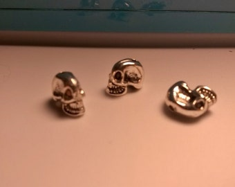 Set Of 12 Pewter Alien Skull Beads