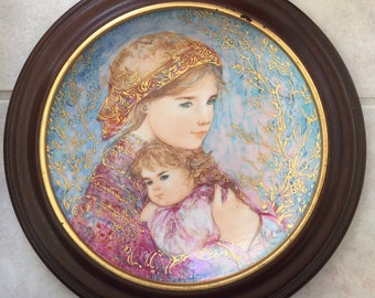 Edna Hibel Mother's Day Plate, Mother's Day Gift