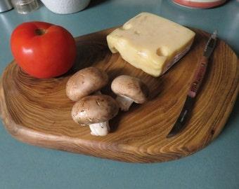 Live Edge Cutting/Cheese Board (CutH1)
