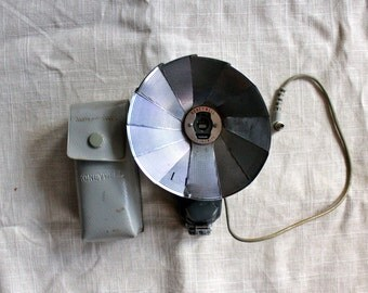 Vintage Honeywell flash attachment with case
