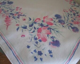 Retro Tablecloth Small Heavy Cotton Print, Vintage Table Topper, Tablecloth, Flowered Print Vintage Tablecloth, Cottage Chic Tablecloth