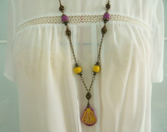 """""""Summer roses"""" necklace with a floral pendant and ceramic handmade beads"""