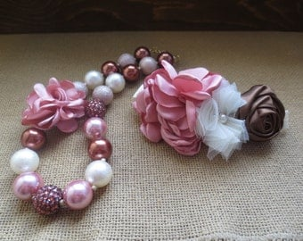BEAUTIFUL Dusty rose, ivory, and chocolate necklace and headband set.