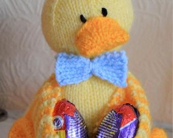 Easter Ducky Egg Holder Knitting Pattern, Easter Toy Knitting Pattern