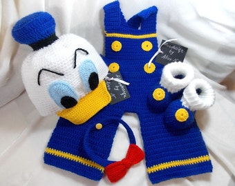 Donald Duck costume
