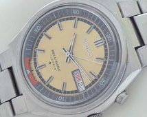 17 Jewels Made in Japan Seiko Bell-Matic self winding vintage watch mint condition.