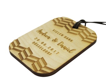 10+ Wooden Wedding Favour Tags, Custom Engraved, Chevron Design