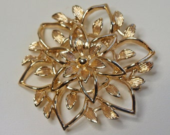 Vintage, Gold Tone, Flower Brooch by Sarah Coventry (2421)