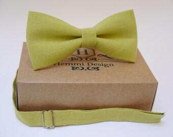 Green Moss BowTie For Wedding / - Bow Tie For Groomsmen / Boy's / Toddler's / Men's Linen Bow tie / Green necktie / Moss Linen Green Necktie
