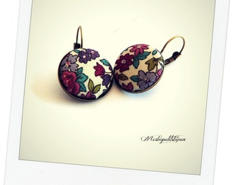 Earrings original cabochon in Japanese fabric, cherry blossom