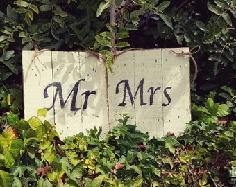 Rustic Mr & Mrs Wedding Sign - Mr and Mrs Signs - Wedding Signs, Photo Props