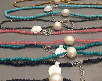 Pearl choker necklace with color crystals