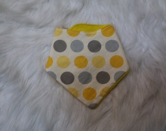yellow and grey dots