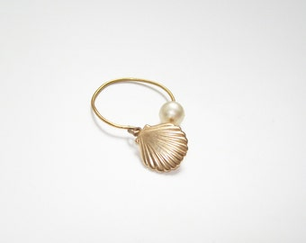 Shell and Pearl plate ring gold 14carats