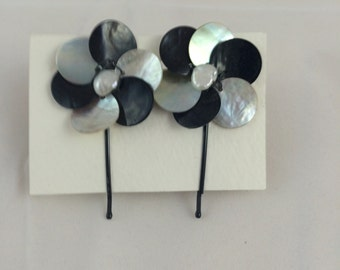 Black and White Flower Mother of Pearl Hair Pins