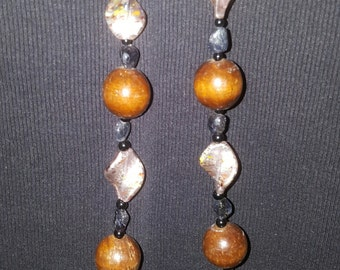 Spun glass and wood necklace