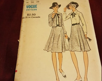 Vintage Vogue 8250 size14 New