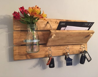 Letter rack with hooks (Adjustable front)