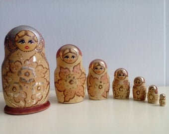7 Russian NESTING DOLLS Russian dolls MATRYOSHKA NESTING DOLL years 90 pieces