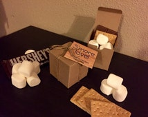 S'more Wedding Favor with Box, Twine and Hanging Label - Personalized Favor Gift Kit (Item Number WFSK0110001)
