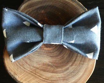 Gray Triangle bow tie