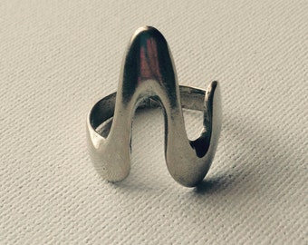 "Sterling Silver ""Heartbeat"" Wave Ring"
