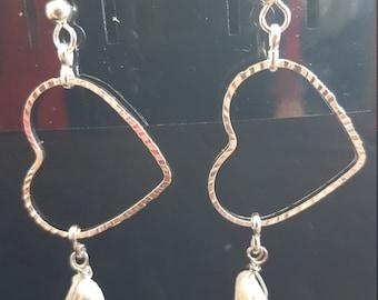 Silver heart earrings with sea shekl