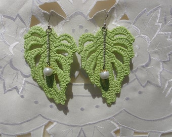Crochet earrings, handmade, in the form of leaf with synthetic pearl
