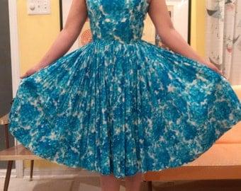 VINTAGE 1950'S FLORAL DRESS
