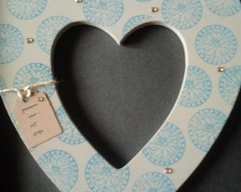 10 inch mocha 'live' hanging heart with pretty blue flower detail