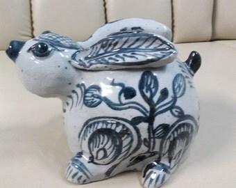 Rabbit vast ceramic