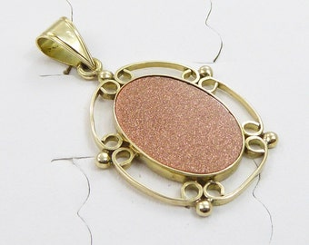 Vintage 14k yellow gold pendant with 14x19mm Sand Stone,