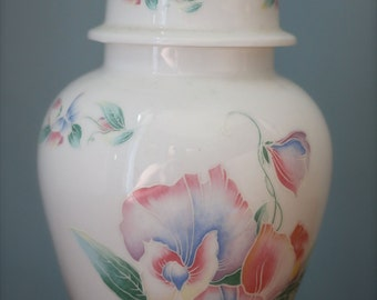 Lovely Aynsley 'Little Sweetheart' porcelain jar vase with acorn lid.  Made in England.  Fine china