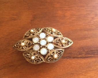 Vintage Signed Sarah Coventry Brooch Gold Tone