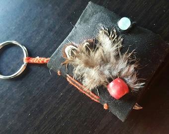 Keychain Black/Feather Journal - Long Stitch