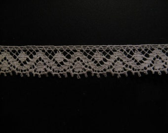 Beautiful antique French lace! Wide about 1 cm, length 1 m ... ca. 1925!