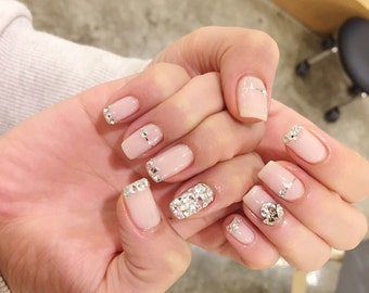 False pre-decores nails has hand Nail art Fales nails