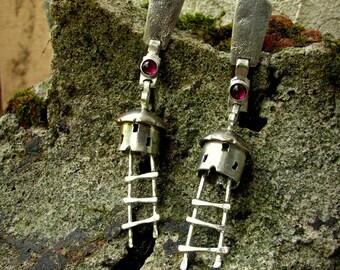 Silver earrings with rhodolite