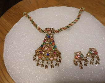 modern indian necklace set with post earrings