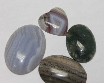 Assorted agate cabochons