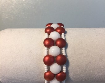 Red and white PRECIOSA Candy bead bracelet