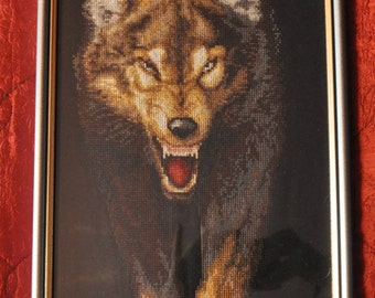 Wolf,handmade picture, fancywork,home decoration,gift for hunter, Cross stitch, framed