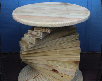 Round Outdoor 2x4 End Table, Side Table