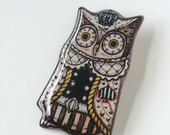 Vintage Owl King  brooch, pin